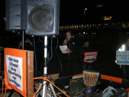 Dinsdag 12 maart: inleidend praatje op het plein voor Den Haag Centraal.