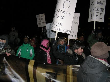 Dinsdagavond: het protest voor het gebouw van de Tweede Kamer.