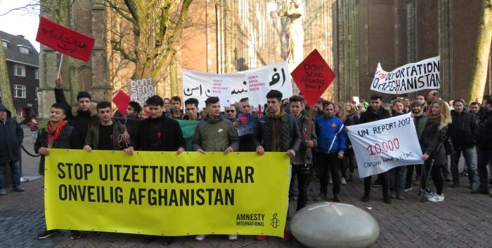 We gaan lopen door de Utrechtse binnenstad naar het IND-kantoor.