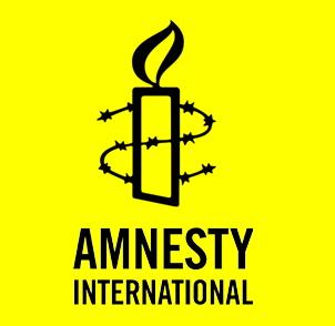 Het zou mooi zijn als Amnesty principieel stelling zou nemen tegen dat prikkeldraad van de opsluiting, juist ook als het om mensen zonder papieren gaat.