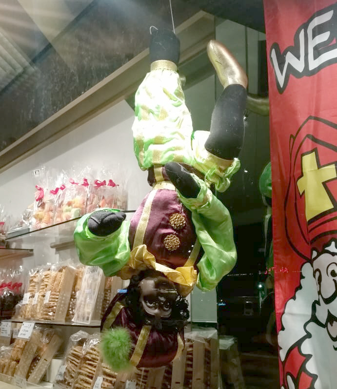 Een omgekeerd opgehangen Piet