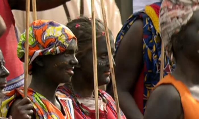 Zelf verzonnen Afrikaanse dracht bij de blackface
