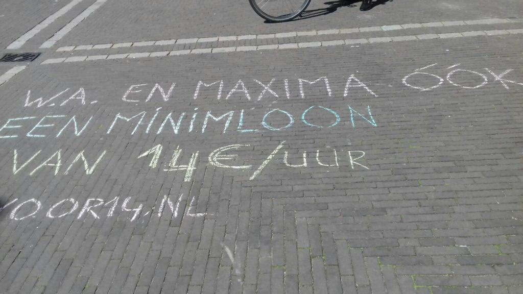 """Krijttekst """"W.A. en Máxima óók een minimumloon van € 14/uur, voor14.nl"""""""