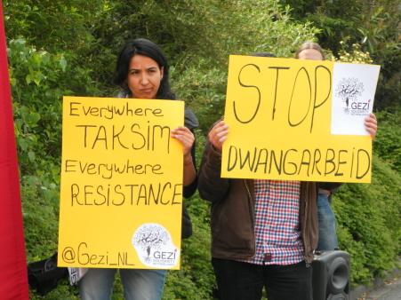 Leden van de groep Gezi Solidariteit Nederland.
