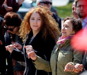 Dansen aan het begin van de demonstratie.