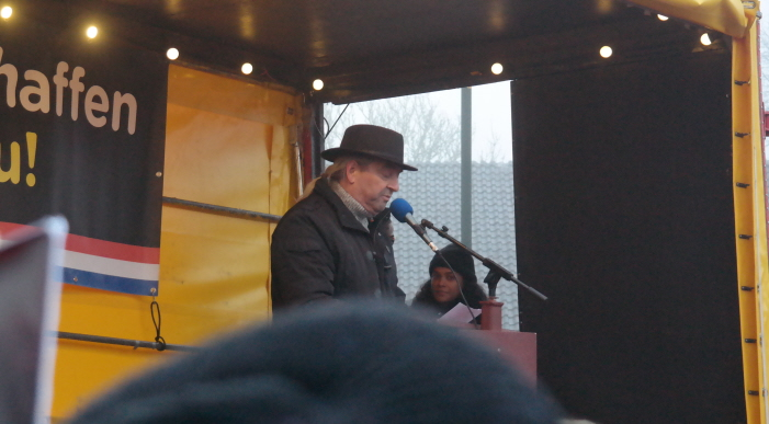 Arnold Helmantel van discriminatiemeldpunt Friesland Tûmba vertelt dat veel mensen zich niet uit durven spreken tegen Zwarte Piet