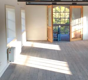 Ons nieuwe Leidse kantoor in aanbouw (onderaan een grotere foto).