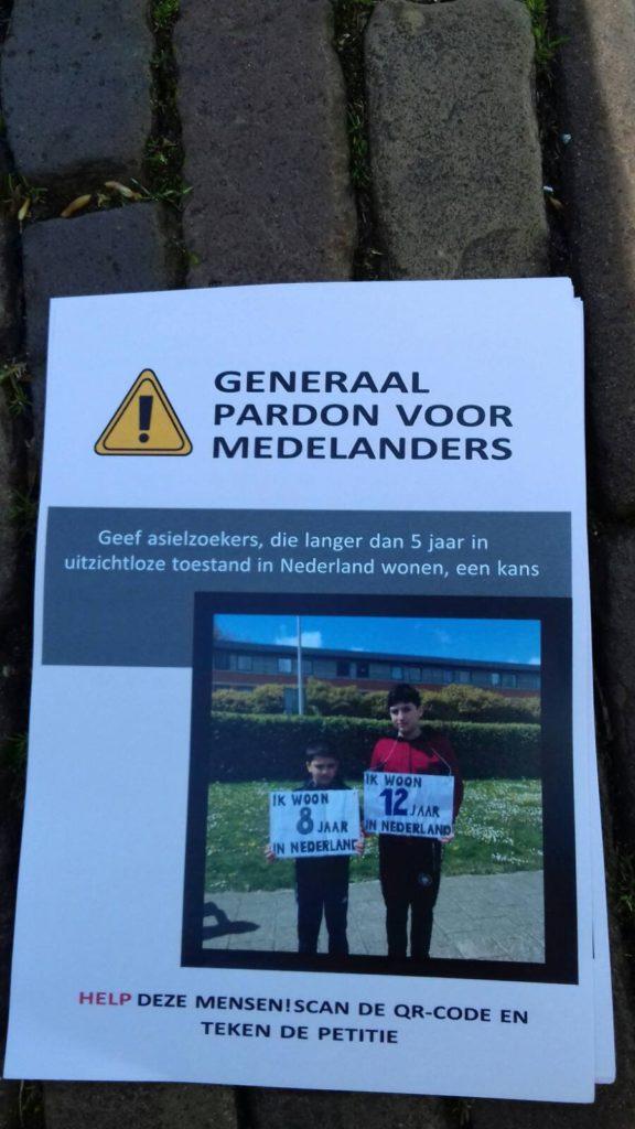 Flyer met een verwijzing naar de petitie.