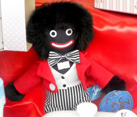 De Golliwog, het Britse broertje van Zwarte Piet.