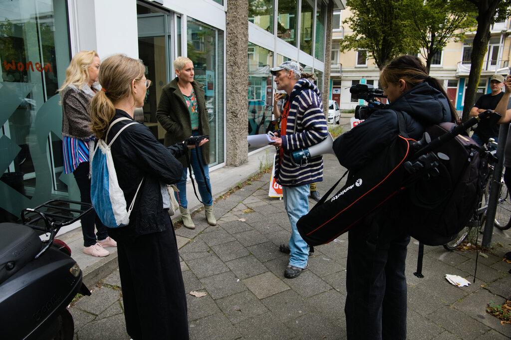 De groep spreekt met vertegenwoordigers van Havensteder.