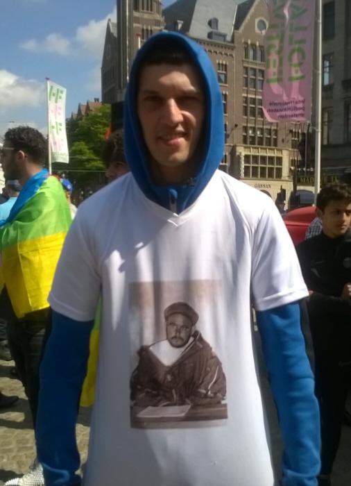 T-shirt met de legendarische vrijheidsstijder Mohammed Abdelkrim El Khattabi.