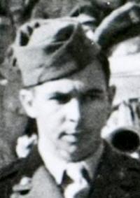 Albert Hoeben, geëerd vanwege zijn deelname aan de smerige koloniale oorlog tegen de Indonesiërs.
