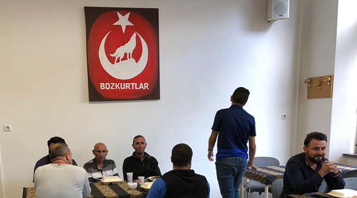Binnen bij de Turks-Islamitische Culturele Stichting