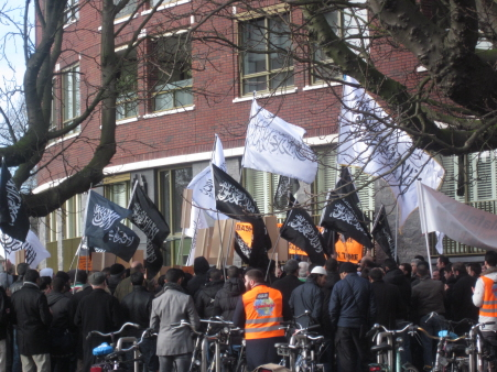 Den Haag, 25 februari 2012. Manifestatie van Hizb ut-Tahrir in solidariteit met moslimfundamentalisten in Syrië.