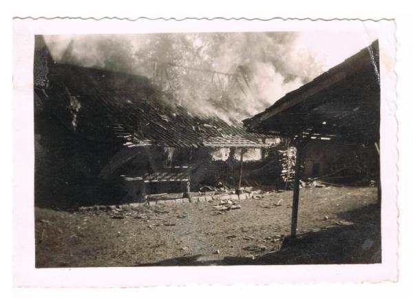 Nog een brandende kampong.