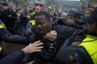 Politiegeweld tegen Kno'Ledge.
