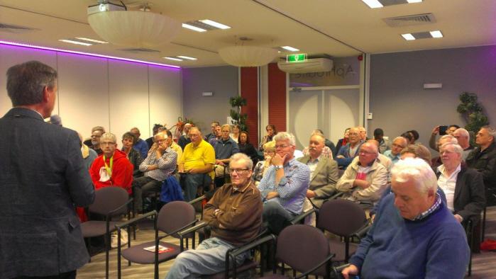De zaal aan het begin van de bijeenkomst. (foto: Lennart Feijen)