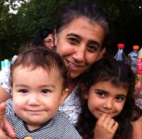 Leyla en haar kinderen Ernesto Serdar en Defne Naz.