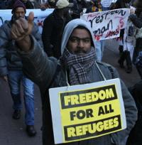De vluchtelingen demonstreerden ook gisteren weer, op mensenrechtendag (Foto: Jan Kees Helms)