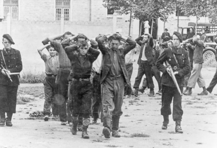 Fascistische Vichy militieleden in actie