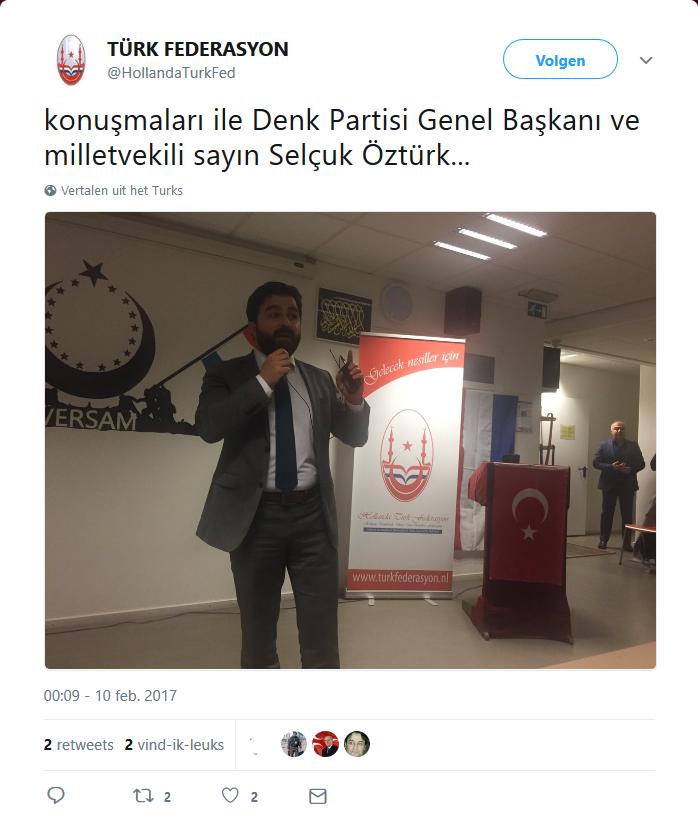 DENK-oprichter Selçuk Öztürk bij de Grijze Wolven.