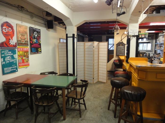 De caféruimte in de Vrijplaats.
