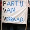 Door de Haagse politie verboden spandoek.