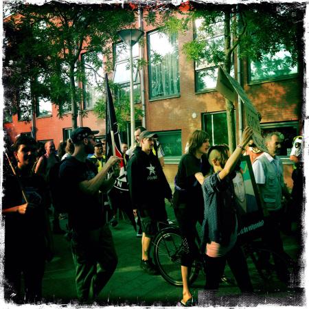 Tijdens de demonstratie. (foto: Sabah Boustani)