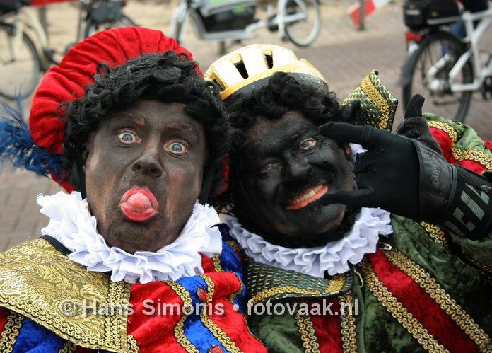 Scheveningen: zoek de verschillen tussen Roetveeg en Zwarte Piet (foto: Hans Simonis)