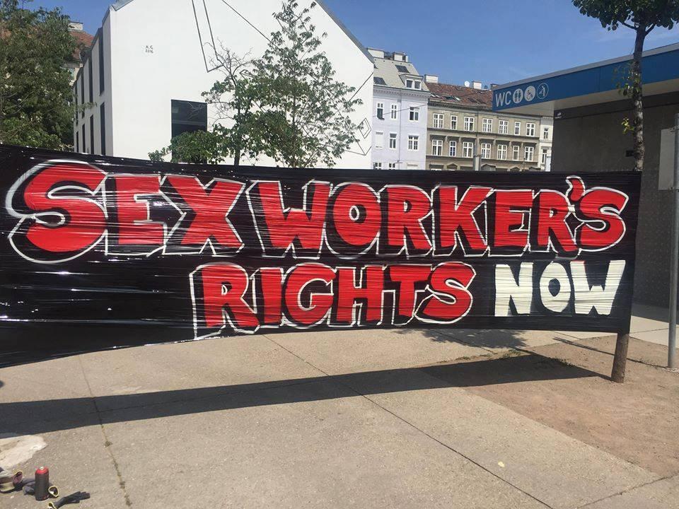 """""""Stuur ze terug"""": migranten die sekswerker zijn worden gedeporteerd uit Europa"""