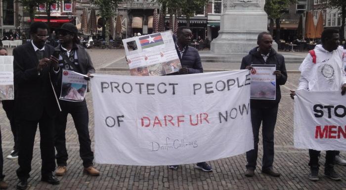 """Ook op het Plein: """"Bescherm de mensen van Darfur nu!"""""""