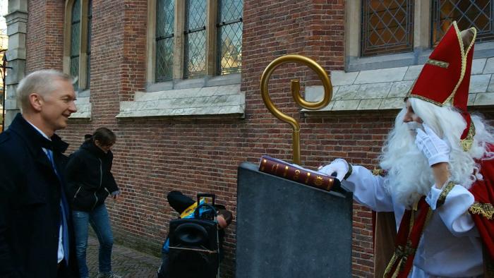 De ontmoeting van Strijk met Sinterklaas.
