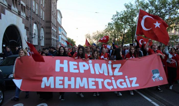 Demonstratie in Nederland van de TGB tegen de PKK.