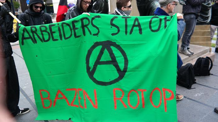 Anarchistisch spandoek.