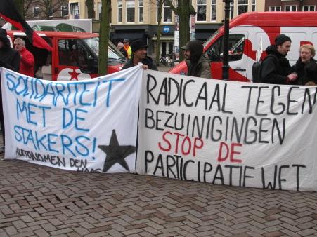 Autonomen Den Haag met spandoeken.