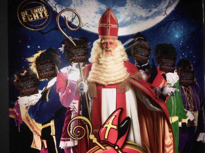 Zwarte Piet is racisme-stickers.