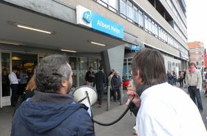 Activisten roepen Albert Heijn op om te stoppen met dwangarbeid.