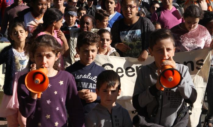 Tijdens de demonstratie (foto: Jan Kees Helms)