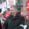 """Christenfundamentalist Michael van der Mast, """"coördinator Man en Abortus"""" van """"Schreeuw om Leven"""", zingend tegen abortus op De Dam"""