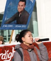 Toespraak bij de demonstratie van 28 december tegen de politiemoord op Rishi. (foto: Jan Kees Helms)
